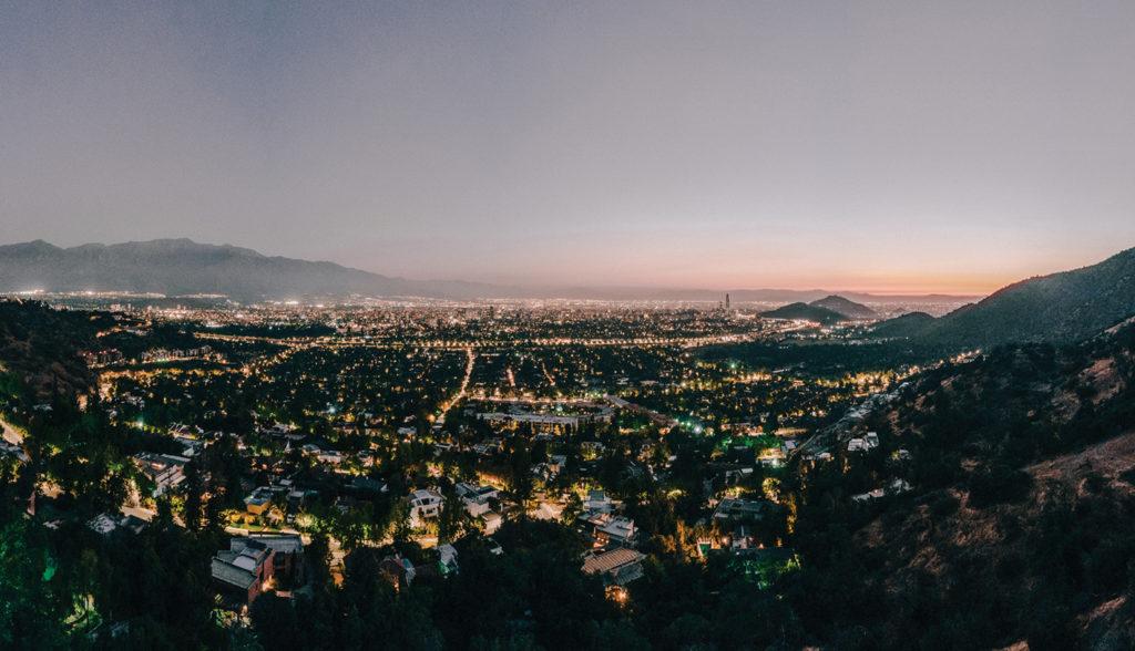 Cumbres de Santa María - Vista de Santiago de noche